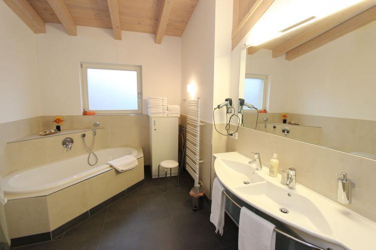 Holiday homeAustria - Salzburg: Penthouse an der Piste  [14]