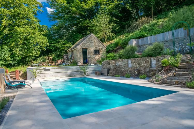 Beautifull home in nature with pool