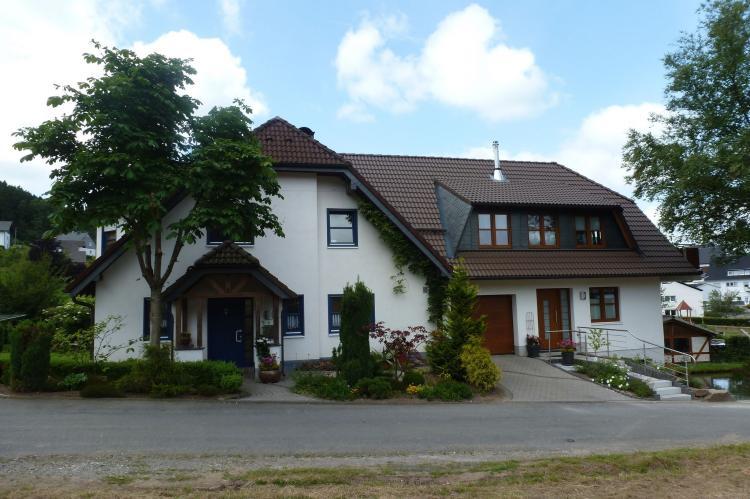 FerienhausDeutschland - Sauerland: Am Teich  [2]