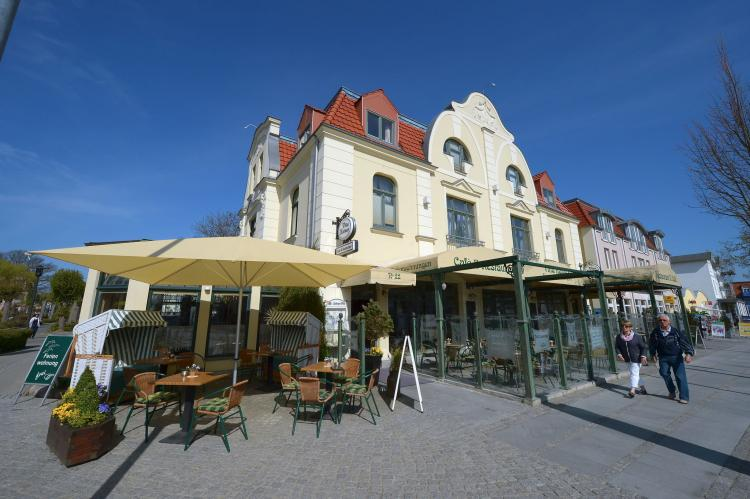 Holiday homeGermany - Mecklenburg-Pomerania: Strandappartement 8  [2]