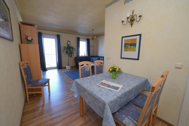 Holiday homeGermany - Mecklenburg-Pomerania: Strandappartement 8  [4]