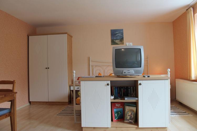 VakantiehuisDuitsland - Mecklenburg-Vorpommern: Inselferien in der Uferschwalbe 3 - großer Garten  [6]