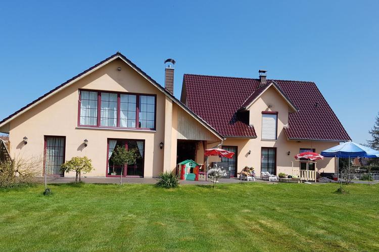 VakantiehuisDuitsland - Mecklenburg-Vorpommern: Exclusives Ferienhaus mit Kamin und Pool  [1]