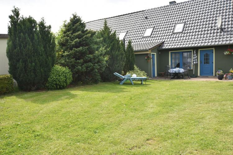 Holiday homeGermany - Mecklenburg-Pomerania: Haus Am Schwan oben links  [4]
