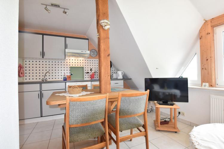 Holiday homeGermany - Mecklenburg-Pomerania: Haus Am Schwan oben links  [7]