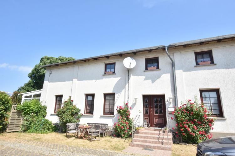 Holiday homeGermany - : Altes Bauernhaus / Hofblick  [1]
