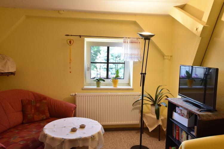 Holiday homeGermany - : Altes Bauernhaus / Hofblick  [8]