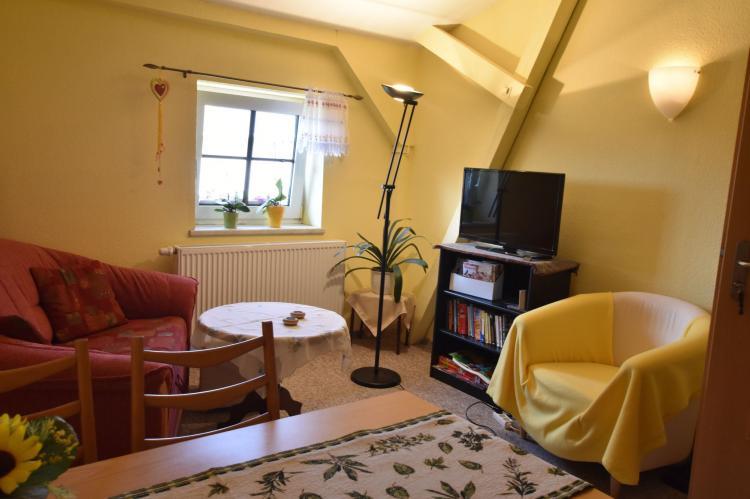 Holiday homeGermany - : Altes Bauernhaus / Hofblick  [2]
