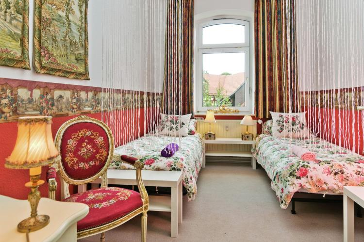 Holiday homeGermany - Hesse: Ehemalige Dorfschule / Pfarrhaus  [18]