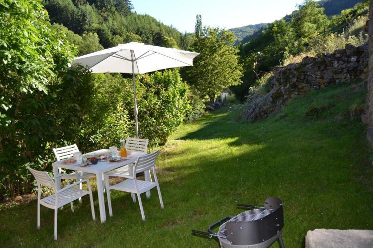 Holiday homeFrance - Auvergne: Gite - VILLENEUVE D'ALLIER  [15]