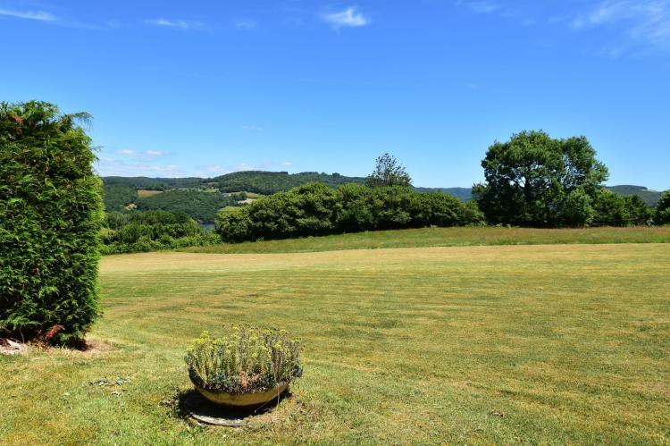 Holiday homeFrance - Burgundy: Vue de Pannecière  [33]