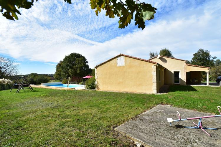 VakantiehuisFrankrijk - Midi-Pyreneeën: Maison de vacances Montcléra Les Gunies  [33]
