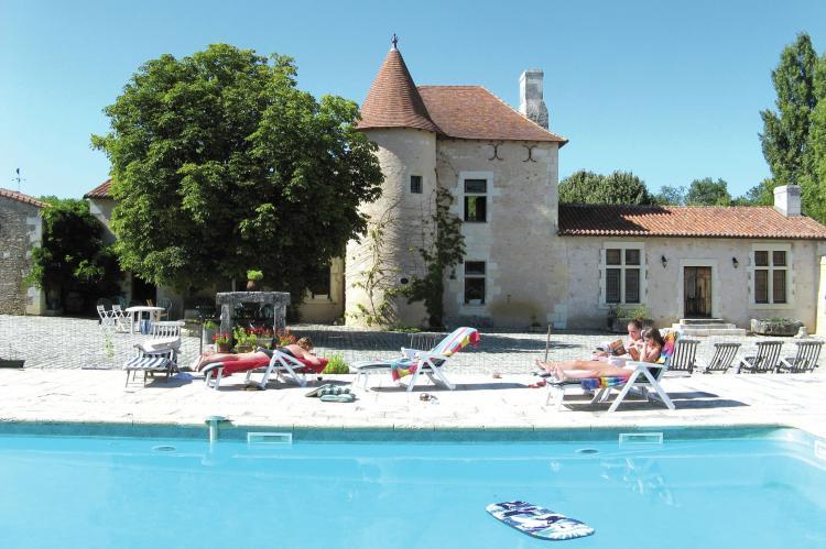 Holiday homeFrance - Poitou-Charentes: Manoir avec piscine privée  [1]