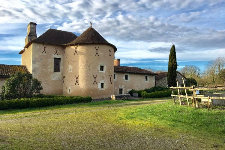 Holiday homeFrance - Poitou-Charentes: Manoir avec piscine privée  [2]