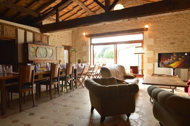 Holiday homeFrance - Poitou-Charentes: Manoir avec piscine privée  [11]