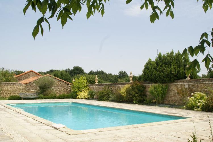 Holiday homeFrance - Poitou-Charentes: Manoir avec piscine privée  [3]