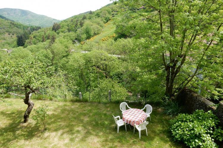VakantiehuisFrankrijk - Ardèche: Maison de Vacances  - St Julien de Gua  [33]