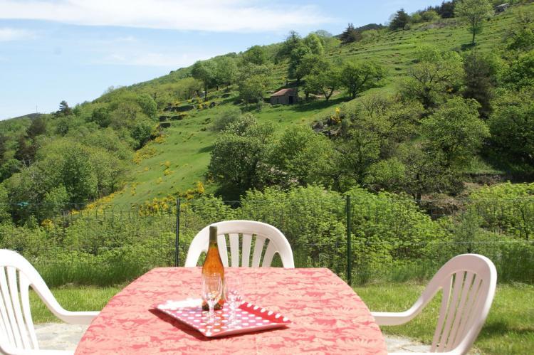 VakantiehuisFrankrijk - Ardèche: Maison de Vacances  - St Julien de Gua  [38]
