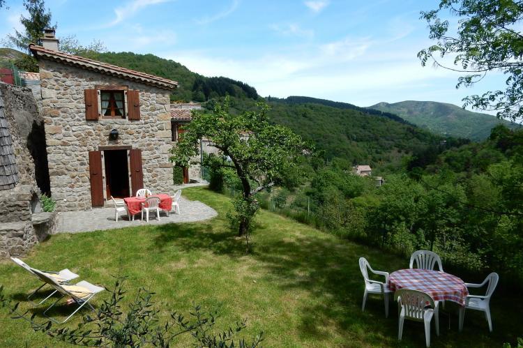 VakantiehuisFrankrijk - Ardèche: Maison de Vacances  - St Julien de Gua  [2]