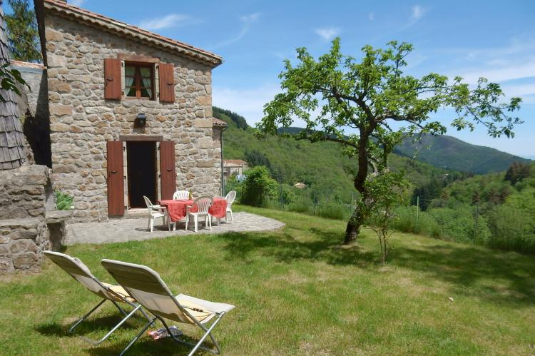 VakantiehuisFrankrijk - Ardèche: Maison de Vacances  - St Julien de Gua  [1]