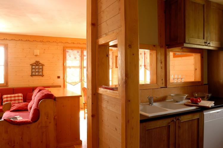 Holiday homeFrance - Northern Alps: Les Chalets de l'Altiport 5  [16]
