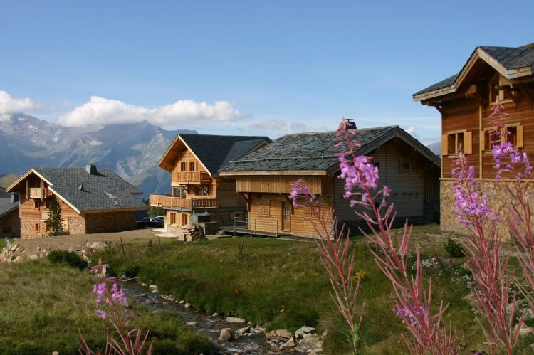 Holiday homeFrance - Northern Alps: Les Chalets de l'Altiport 5  [8]