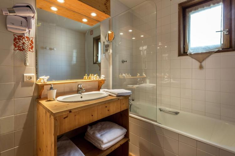 Holiday homeFrance - Northern Alps: Résidence Alpina Lodge 4  [26]