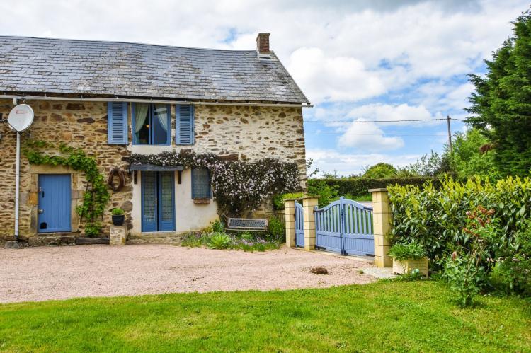Holiday homeFrance - Auvergne: Gite Les Ayes  [1]