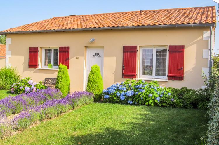 Holiday homeFrance - Poitou-Charentes: Bleu de Vibraye  [1]