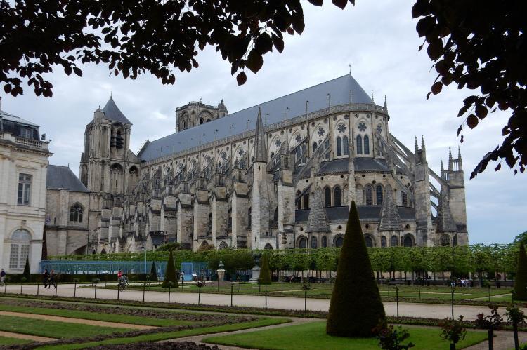 Holiday homeFrance - Auvergne: La chambre de la chapelle  [20]