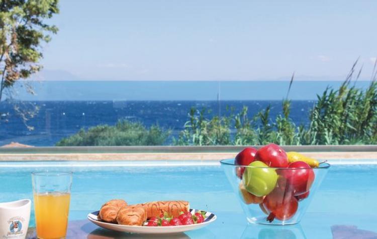 Holiday homeGreece - Peloponese: Petalou, Korinthias  [7]