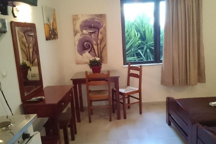 Holiday homeGreece - Crete: Studio in Iliaktida Apartments  [6]