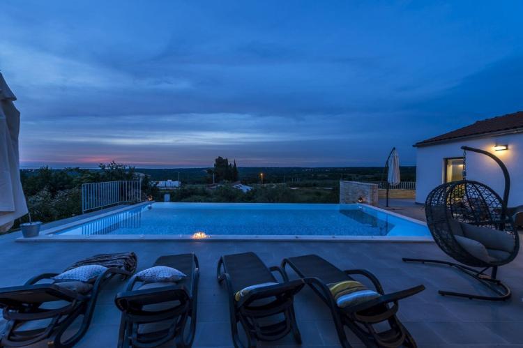 Holiday homeCroatia - Istra: Villa Meli with Infinity Pool and Whirlpool  [31]