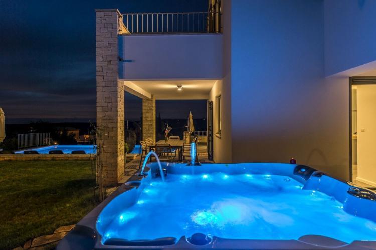 Holiday homeCroatia - Istra: Villa Meli with Infinity Pool and Whirlpool  [37]