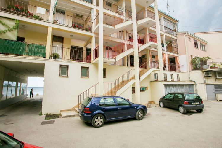 Holiday homeCroatia - Eastern Croatia: Old town apartment Tomicic with direct sea view I  [25]