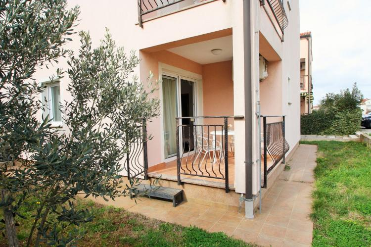 Holiday homeCroatia - Istra: Apartment with Terrace  [2]
