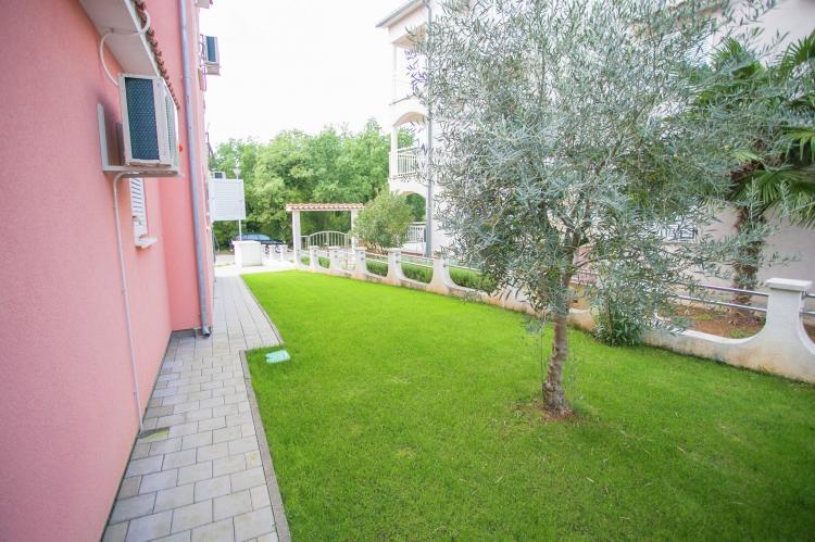 Holiday homeCroatia - Istra: Apartment Kardumovic II Brown with Garden View  [4]