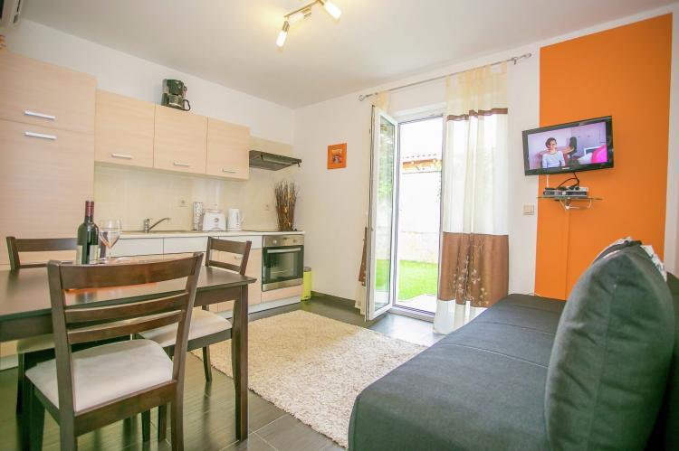 Holiday homeCroatia - Istra: Apartment Kardumovic II Brown with Garden View  [5]