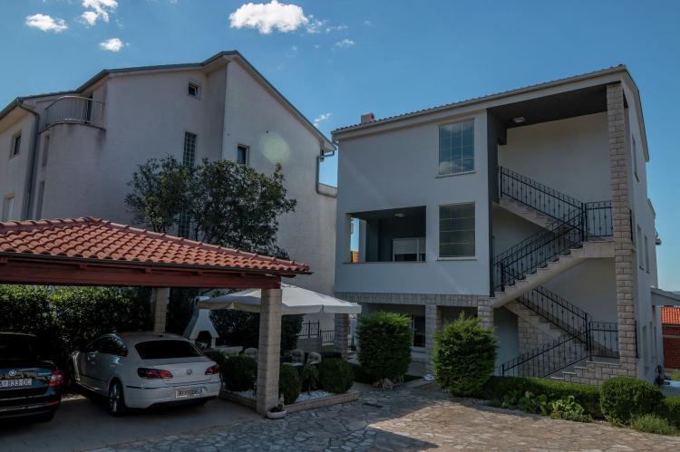 FerienhausKroatien - Kvarner: Apartment Queens I with Terrace in Selce   [2]
