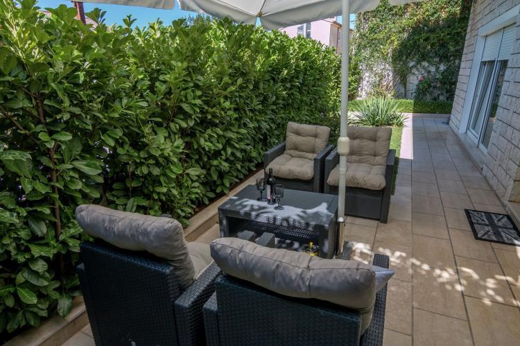 FerienhausKroatien - Kvarner: Apartment Queens I with Terrace in Selce   [19]