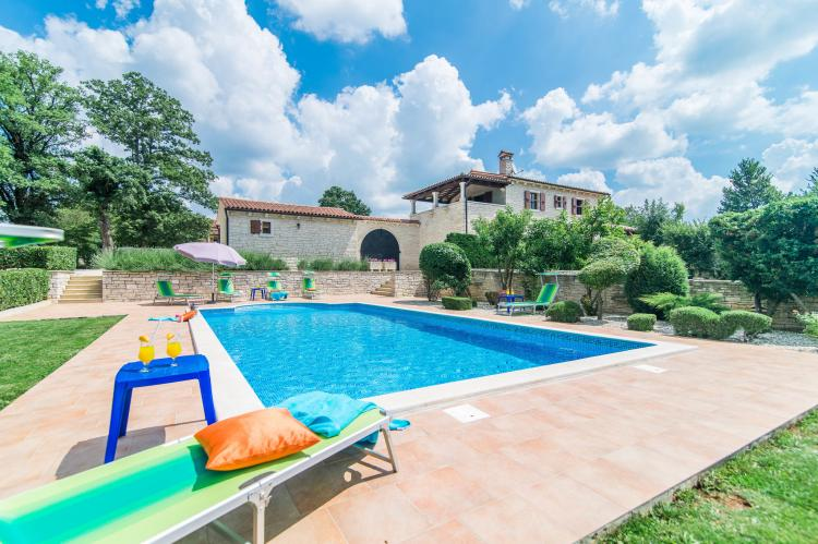 Villa Catarina with Beautiful and Spacious Garden