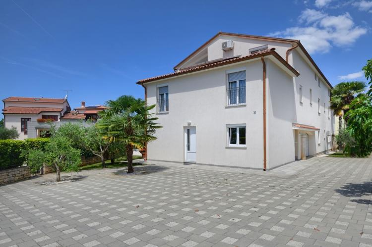 FerienhausKroatien - Istrien: Two-Bedroom Apartment Hope V with Balcony near Por  [24]