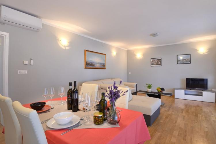 VakantiehuisKroatië - Istrië: Two-Bedroom Apartment Hope V with Balcony near Por  [16]