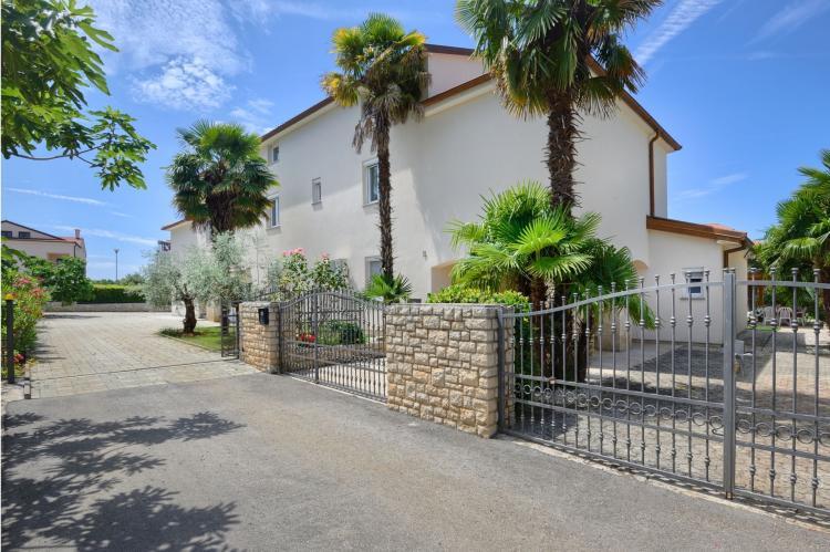 FerienhausKroatien - Istrien: Two-Bedroom Apartment Hope V with Balcony near Por  [40]