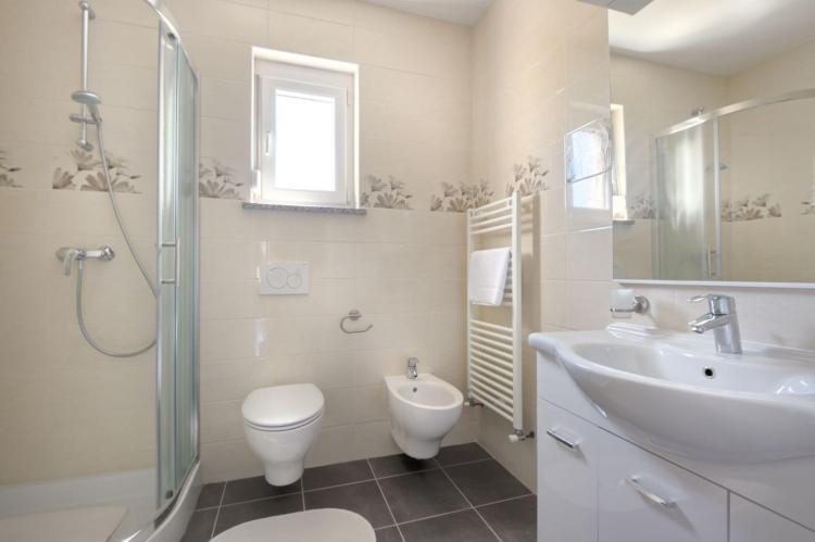 FerienhausKroatien - Istrien: Two-Bedroom Apartment Hope V with Balcony near Por  [21]