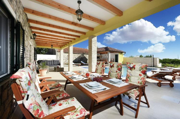 VakantiehuisKroatië - Kvarner: Beautiful Villa Petra with Summer Kitchen and Pool  [27]