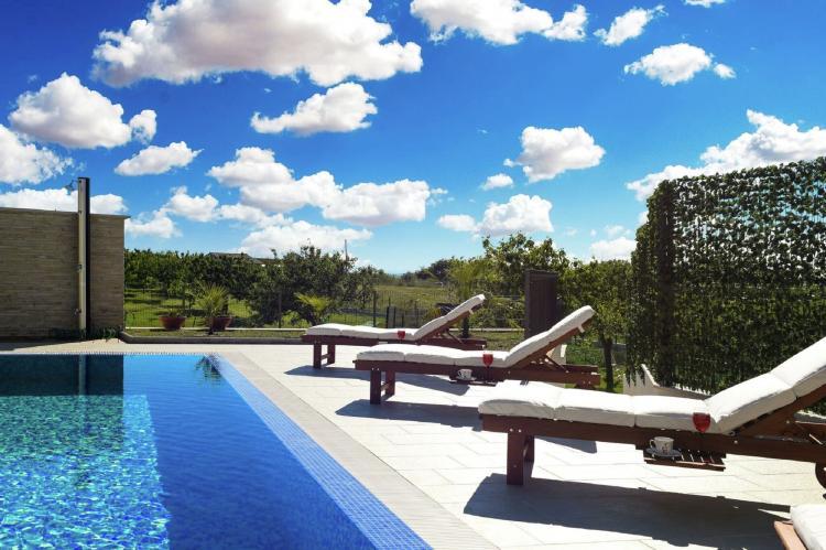 VakantiehuisKroatië - Kvarner: Beautiful Villa Petra with Summer Kitchen and Pool  [4]