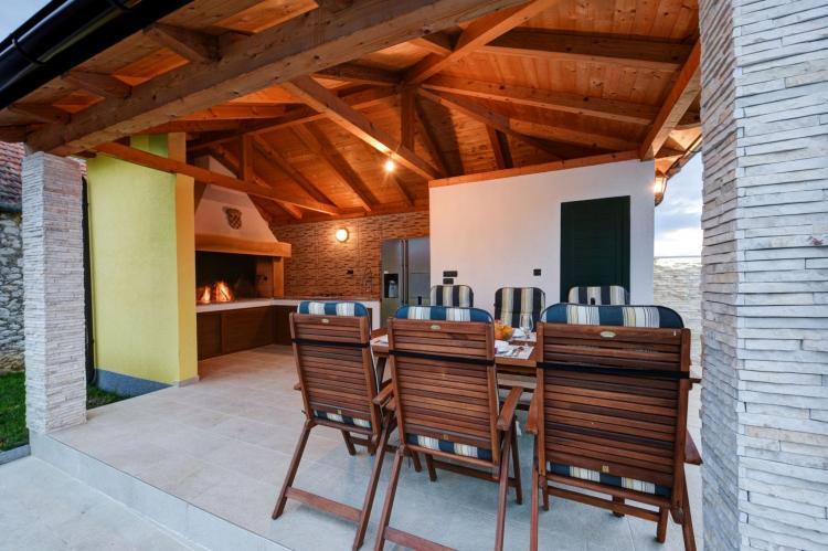 VakantiehuisKroatië - Kvarner: Beautiful Villa Petra with Summer Kitchen and Pool  [26]