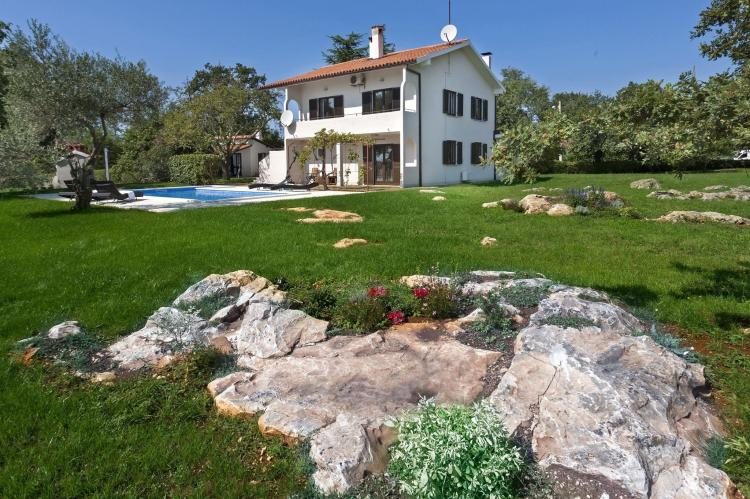 VakantiehuisKroatië - Istrië: Apartment Doris with Private Pool and large Garden  [32]