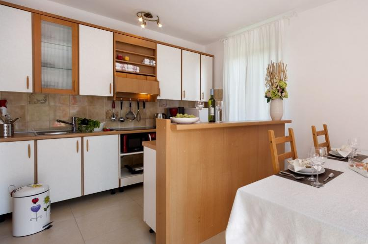 VakantiehuisKroatië - Istrië: Apartment Doris with Private Pool and large Garden  [17]
